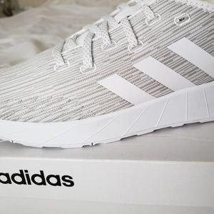 adidas Women's Questar X BYD Running Shoe Size 9.5